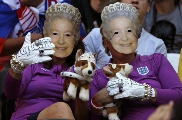 VIDEO: Lo spettacolo sugli spalti di Euro2012 non coinvolge tutti, guardate cosa succede a chi...