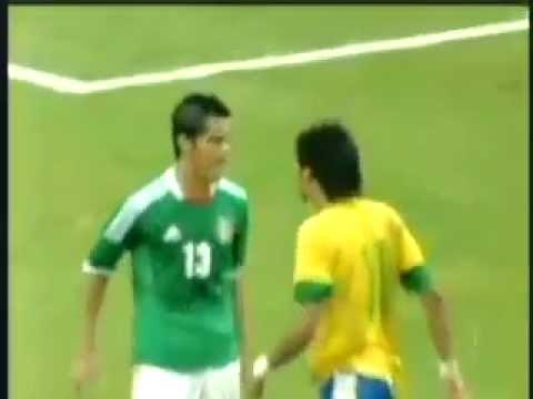 VIDEO: Neymar perde la testa, sputo a un avversario?