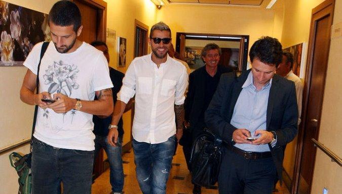 Napoli: il club ufficializza gli acquisti di Behrami e Gamberini