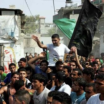Festa a Gaza per la liberazione del calciatore palestinese Sarsak4