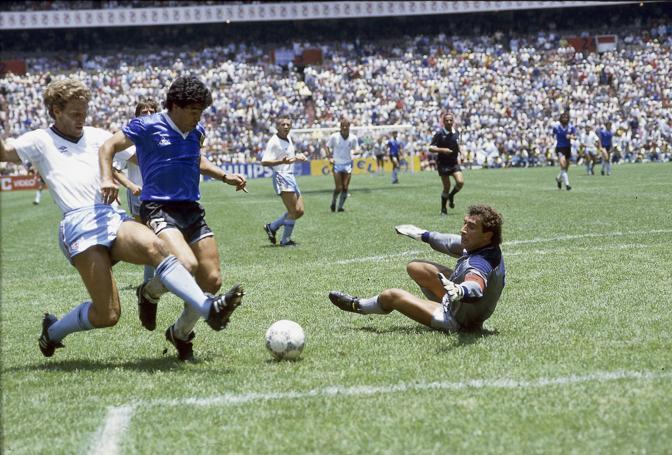 Museo del Calcio di Manchester: esposta la 10 di Maradona di Messico '86
