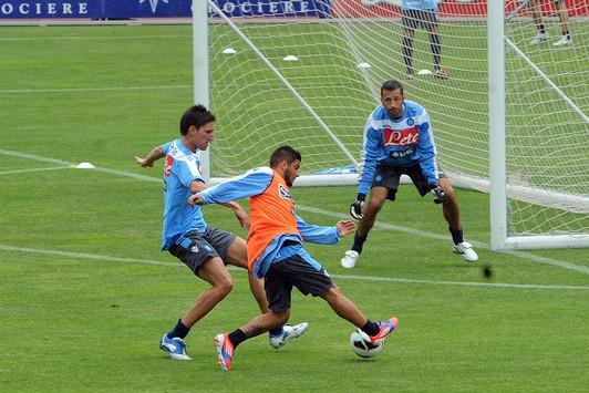 Pandev, Insigne e Vargas danno spettacolo in allenamento e lottano per una maglia da titolare