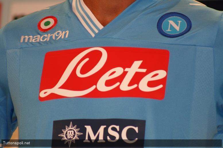 Cannavaro e Grava presentano la prima maglia del Napoli