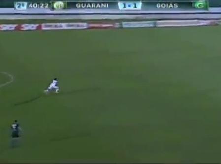 VIDEO: Incredibile in Brasile, autorete da 50 metri!