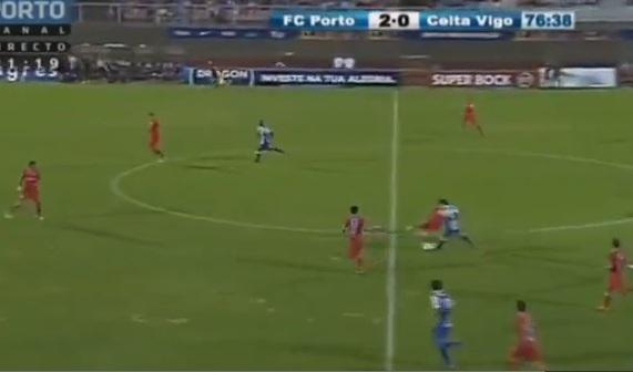 VIDEO: Incredibile Iturbe, salta tutta la squadra e va a segnare!
