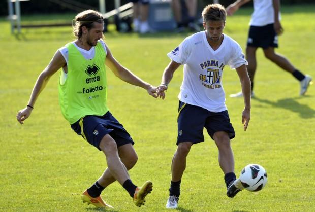 Qui Collecchio - Lavoro atletico e partitella per il Parma. Biabiany verso il recupero
