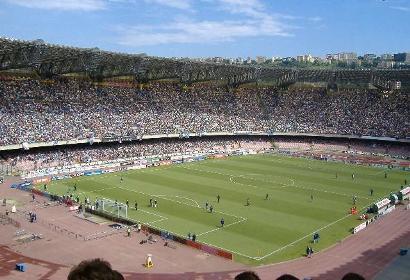 Napoli, 300 tifosi della curva A a colloquio con Benitez e la squadra. Contro la Samp il San Paolo delle grandi occasioni
