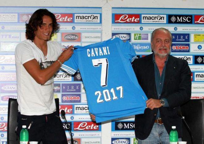 Tra il Napoli e Cavani spuntano i milioni del Chelsea