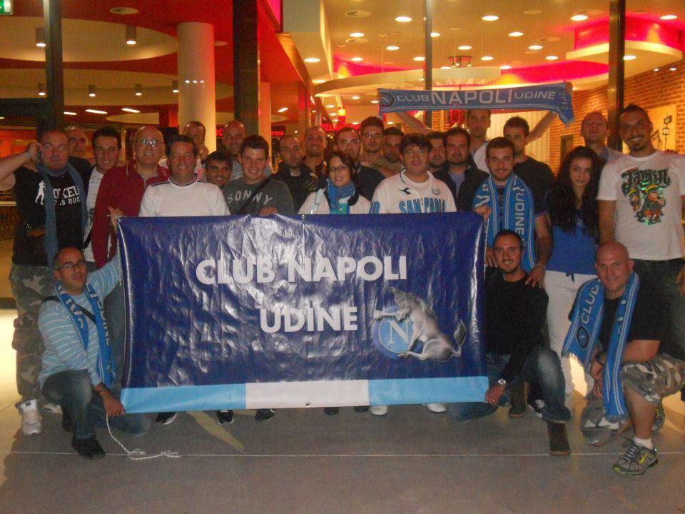 FOTO GRUPPO CLUB NAPOLI UDINE