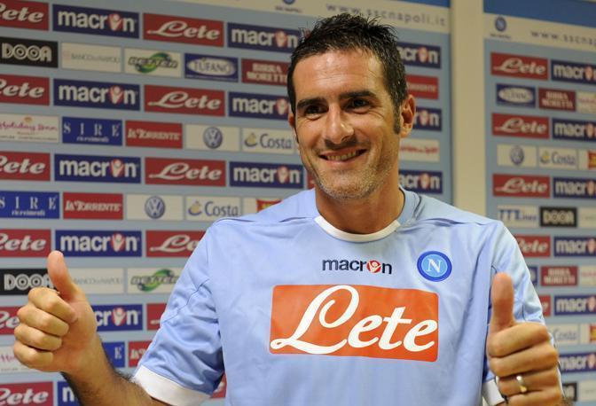 Cristiano Lucarelli non sa da che parte schierarsi...
