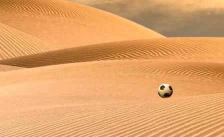 pallone-nel-deserto
