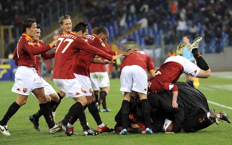 La Roma torna a Trigoria, Lamela resta a piedi. Zeman e Burdisso caricano la squadra in vista di domenica