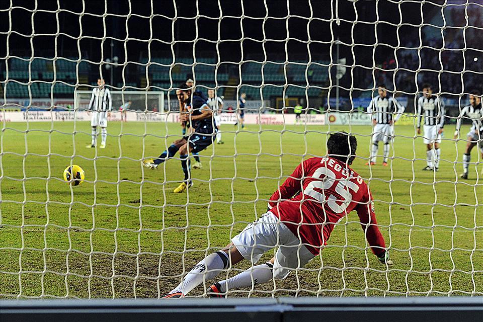 VIDEO - Highlights Siena-Napoli 0-2: Maggio e Cavani risolvono l'ultimo, sofferto match dell'anno