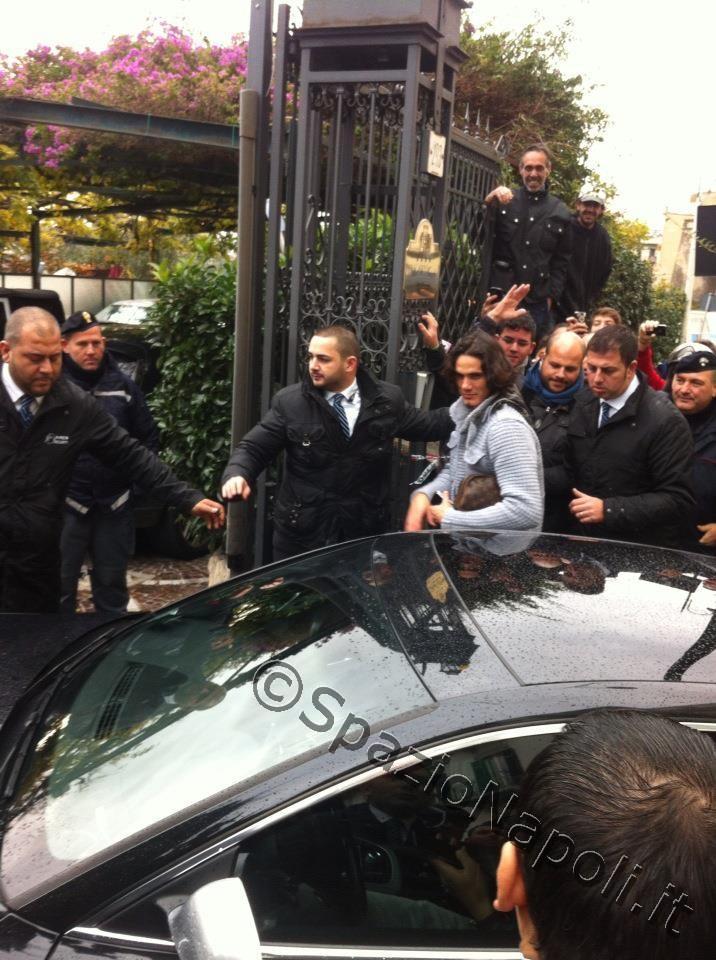 PHOTOGALLERY SN - L'arrivo del Napoli a Villa D'Angelo: cori, applausi e qualche critica
