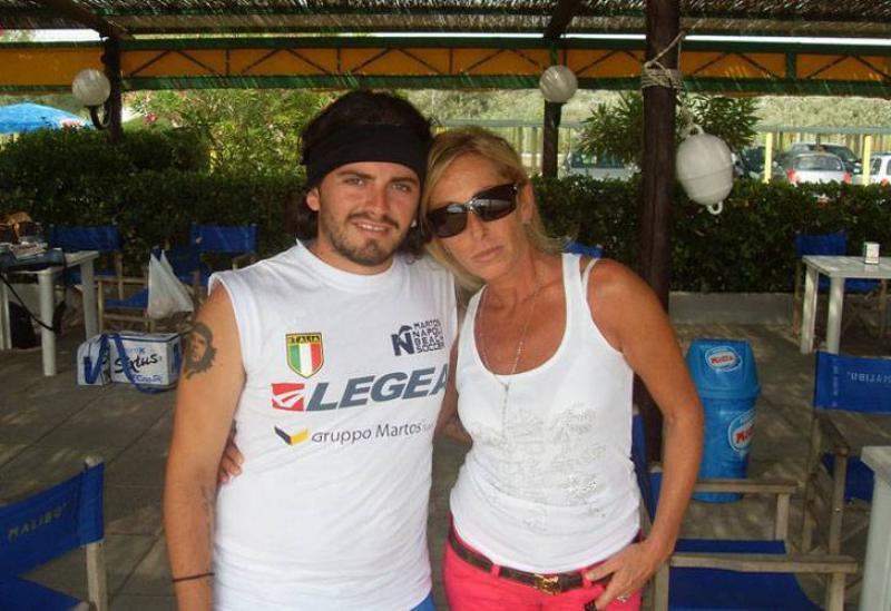 La Sinagra preannuncia la querela a Maradona