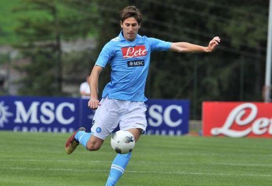 FOTO - Fernandez si presenta con la nuova maglia: