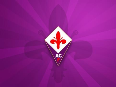 La Fiorentina si prepara al match contro il Napoli, con un Larrondo in più