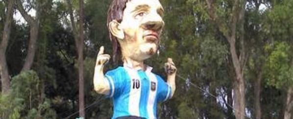La-figura-gigante-de-Leo-Messi_54358757582_54115221155_600_244
