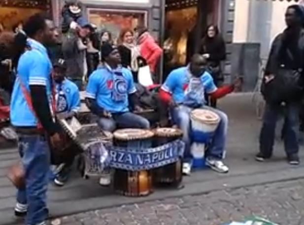 VIDEO: Il Napoli scopre dei tifosi