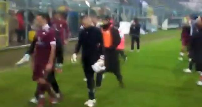 VIDEO: Ancora razzismo in Lega Pro. Un gruppo di tifosi attacca i calciatori del Trapani