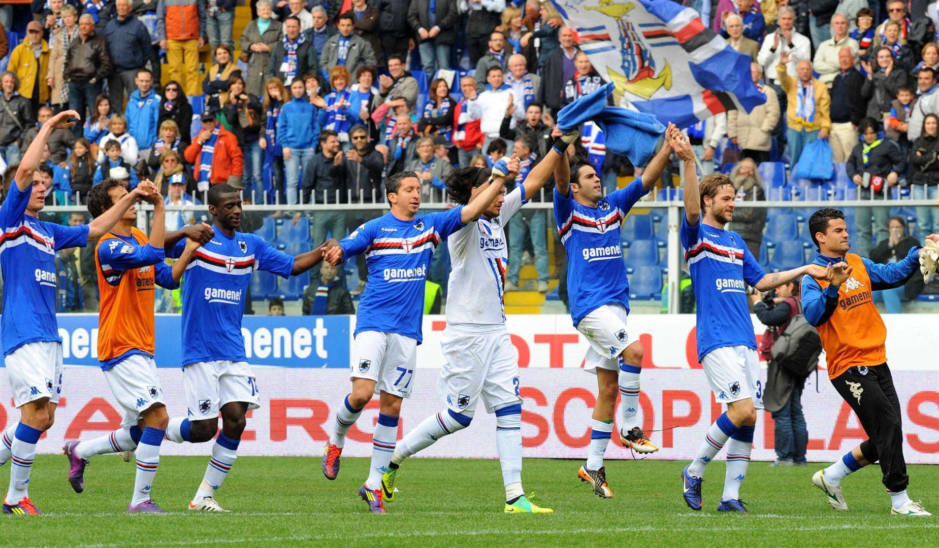 Qui Samp - Rossi porta 23 giocatori a Napoli. Out Renan e Palombo