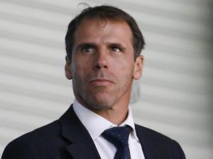 """Zola: """"Il Napoli sarà sotto pressione domani ma è l'unica che può contendere il titolo alla Juve"""""""