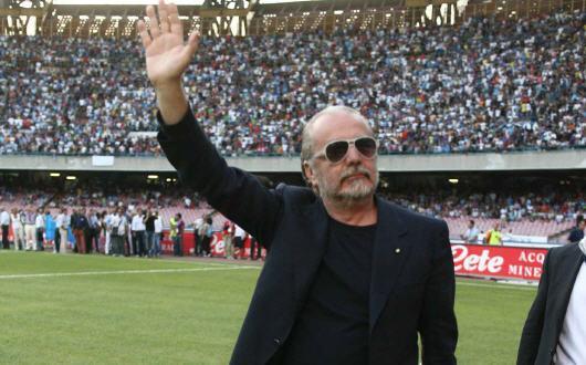 """De Laurentiis su twitter: """"Felice Pasqua a tutti i tifosi azzurri"""""""