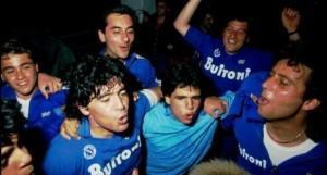 Fabio Cannavaro festeggia lo scudetto insieme a Maradona