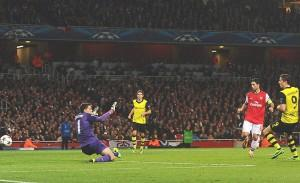 131022181556-robert-lewandowski-arsenal-borussia-dortmund-champions-league-single-image-cut