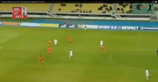VIDEO - Ecco come segnare un gol pazzesco... nella propria porta!