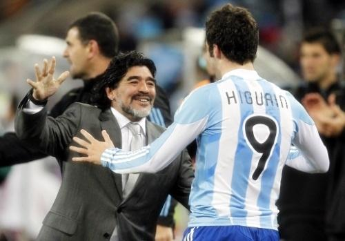 Maradona - Higuain abbraccio