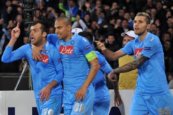 Inler si fa perdonare l'espulsione nella finale di Coppa Italia: ecco cosa ha regalato ai compagni...