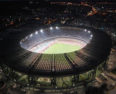 Stadio San Paolo riflettori notte