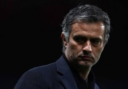 Furia Mourinho: contro il Liverpool, per protesta, in campo la seconda squadra!
