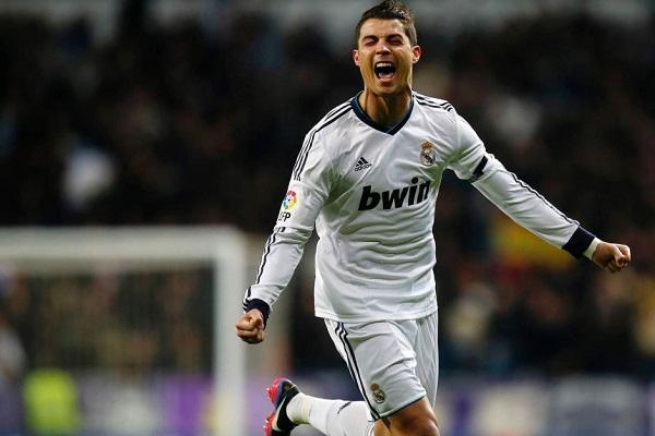 Cristiano Ronaldo, 22esima tripletta in Liga, 460esimo goal in carriera; numeri da paura per il fuoriclasse portoghese che continuando così potrebbe puntare a quota 500 goal già in questa stagione.