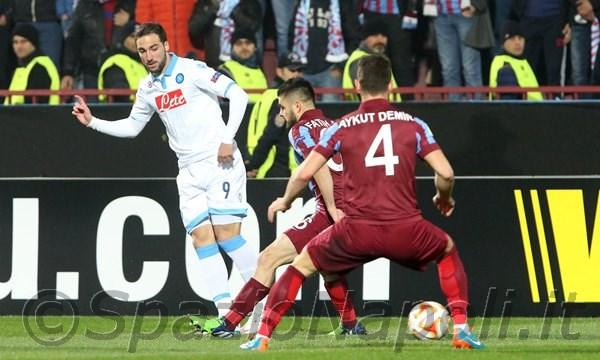 Higuain Europa League Trabzonspor