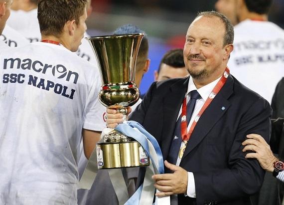 """IL PRIMO TROFEO - Benitez non tradisce la sua fama di """"Re di Coppe"""" e porta a casa un trofeo alla prima stagione sulla panchina azzurra. La data è il 3 maggio e il trofeo si chiama Coppa Italia."""
