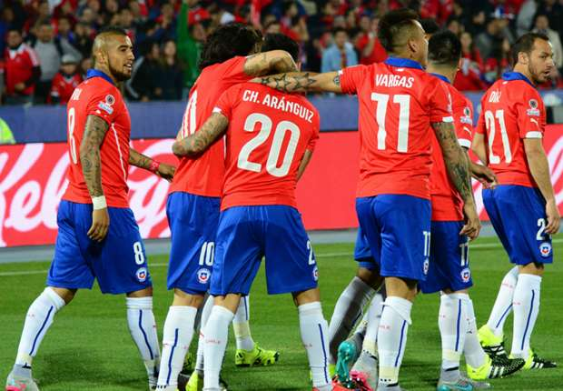 COPA AMERICA - Il Cile batte l'Uruguay e va in semifinale. Buona la prova di Edu Vargas, espulso Cavani