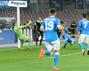 chiriches david lopez callejon napoli chievo bizzarri gol