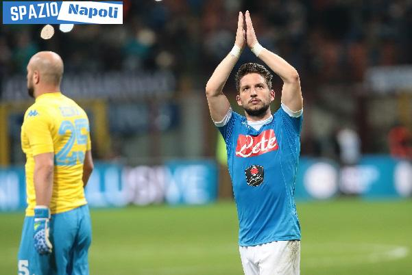 mertens reina applausi