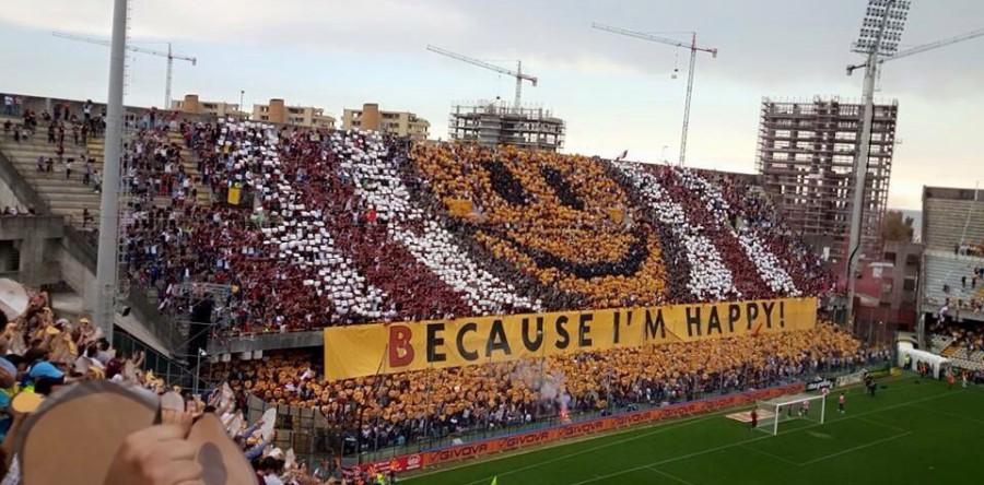 15. Salernitana - Casertana, 9 maggio 2015: 1-1 all'Arechi, ma il pareggio basta alla Salernitana per festeggiare il ritorno in Serie B. In modo spettacolare, con una coreografia che ha messo il sorriso a tutto lo stadio e fatto il giro del mondo. Meravigliosa.