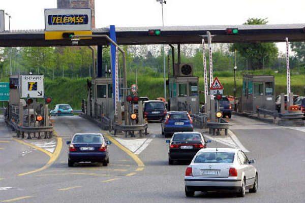 Via agli spostamenti tra Regioni: cosa cambia dal 3 giugno per gli italiani