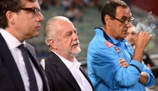 Tuttosport - De Laurentiis studia le mosse per convincere Sarri a rimanere