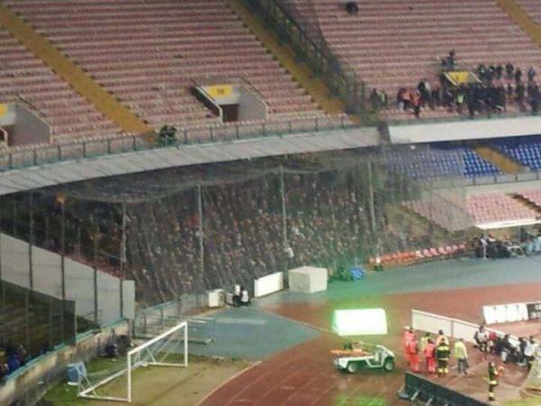 Tifosi del Genoa da applausi, a fine gara parte il coro per Ciro Esposito