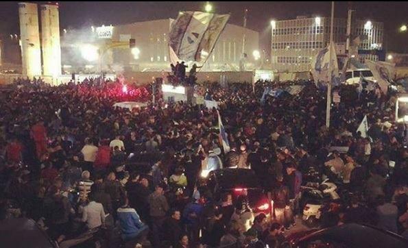 RETROSCENA - Il Napoli doveva prendere una strada secondaria, ma i calciatori hanno voluto sentire il calore dei tifosi!