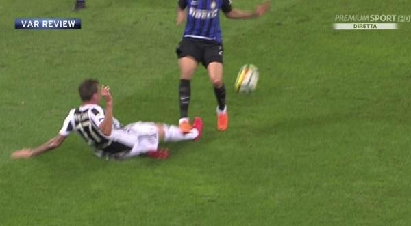 Ferita lacero-contusa per Mandzukic: è a rischio per Juventus-Bologna