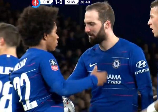 FA Cup, Chelsea-Sheffield Wednesday 3-0: esordio dal 1' per Higuain