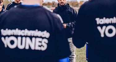 """Younes, un giorno da allenatore: """"Il talento da solo non è abbastanza"""""""