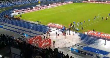 """VIDEO – Gli azzurri tornano negli spogliatoi a fine partita, il San Paolo intona: """"Andate a lavorare"""""""