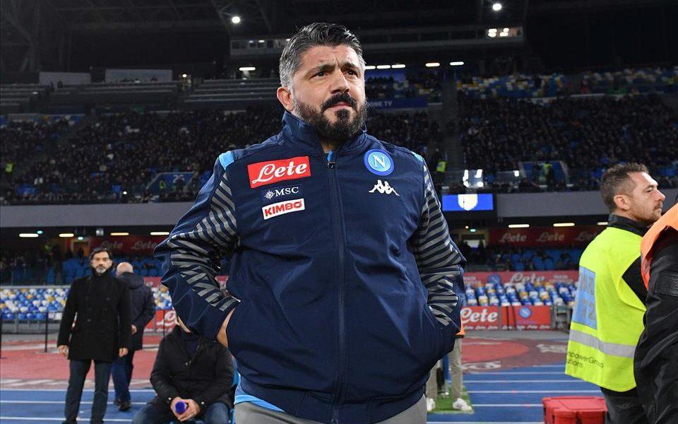 Champions League, Napoli-Barcellona agli ottavi: i blaugrana celebrano Messi e Maradona